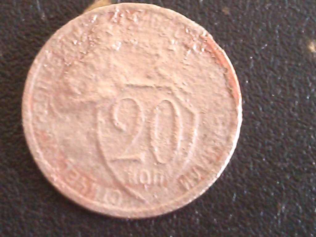 Фото старой монеты 20 копеек 1934года 2